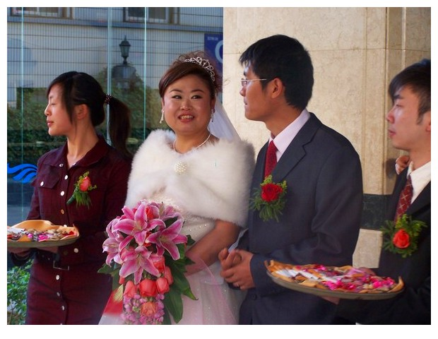 Newly married couple, Kunming, Yunnan