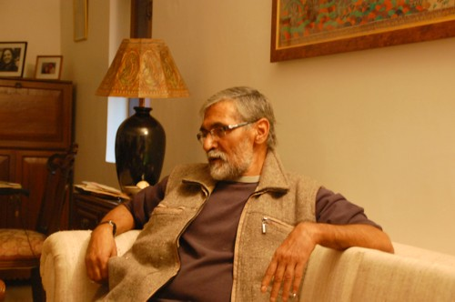 Jugnu Shardeya, Hindi writer, thinker