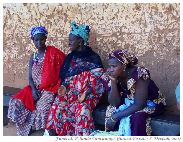 Waiting for funeral, Canchungo, Guinea Bissau - S. Deepak, 2007