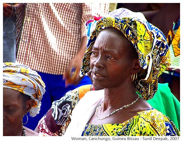 Women, Pelundo, Canchungo, Guinea Bissau - images by Sunil Deepak, 2007