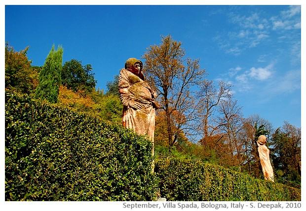 Statues by Nicola Zamboni at Villa Spada, Bologna, Italy - image by Sunil Deepak, 2010