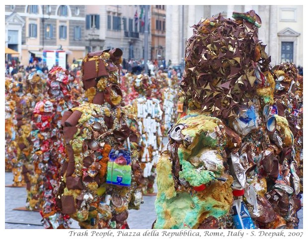 Trash people by Ha Schultz, Rome, Italy - S. Deepak, 2007