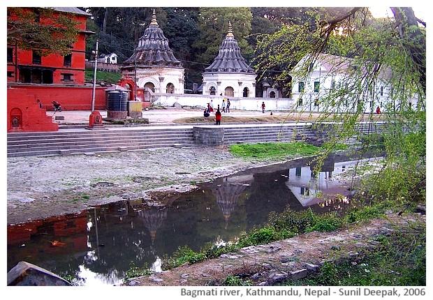 Bagmati river, Kathmandu, Nepal - images by Sunil Deepak, 2006
