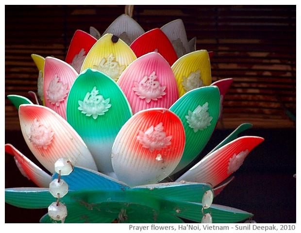 Temple decorations, Hanoi, Vietnam - images by Sunil Deepak, 2010