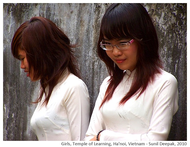 High school students at temple of learning, Hanoi, Vietnam - images by Sunil Deepak, 2010