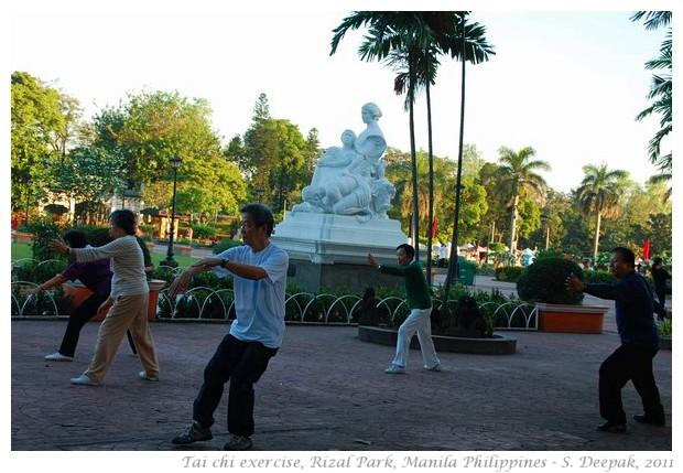 Tai chi, Rizal Park, Manila - S. Deepak, 2011