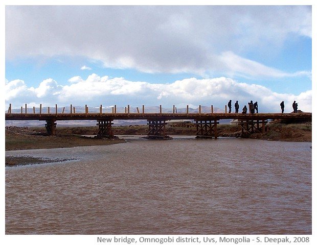 Building new bridge in Omnogobi, Uvs, Mongolia - S. Deepak, 2008