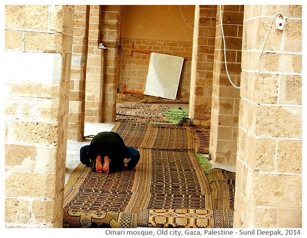Omari mosque, old city, Gaza - images by Sunil Deepak, 2014