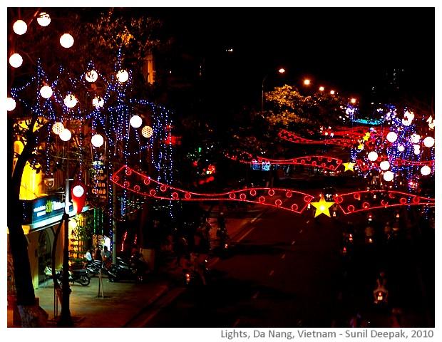 Tét lights, Da Nang, Vietnam - images by Sunil Deepak, 2010