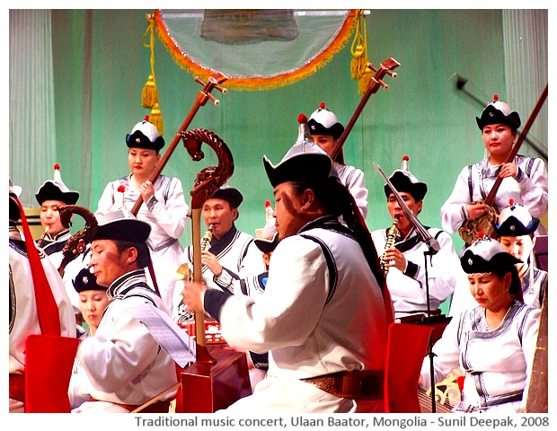 Traditional music concert, Mongolia - images by Sunil Deepak, 2008