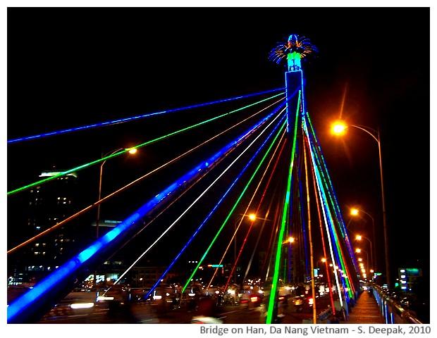 Bridge on Han/Da Nang at night - S. Deepak, 2010