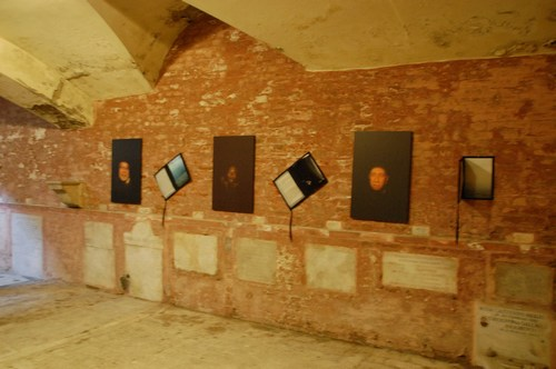 Monumental graves in Certosa cemetery of Bologna, Italy - images by S. Deepak, 2011