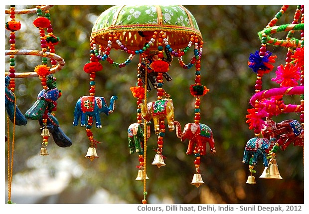 Colours, Dilli Haat, India - images by Sunil Deepak, 2012