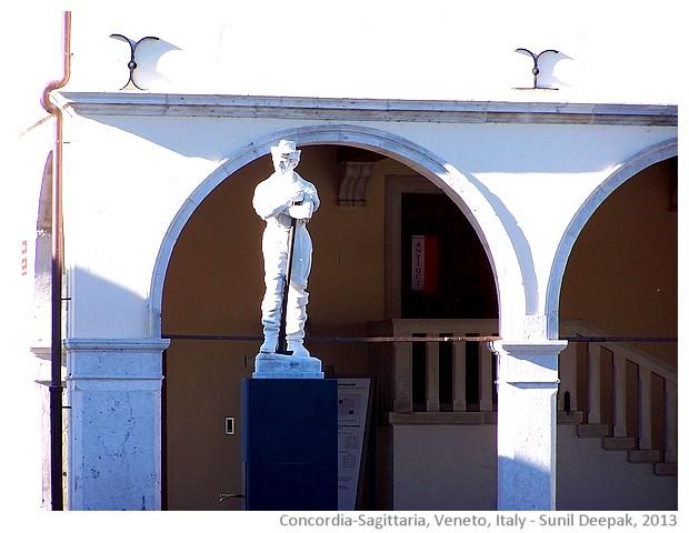 City centre, Concordia-Sagittaria, Veneto, Italy - images by Sunil Deepak, 2013