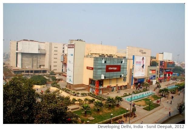 Developing Delhi - images by Sunil Deepak, 2012