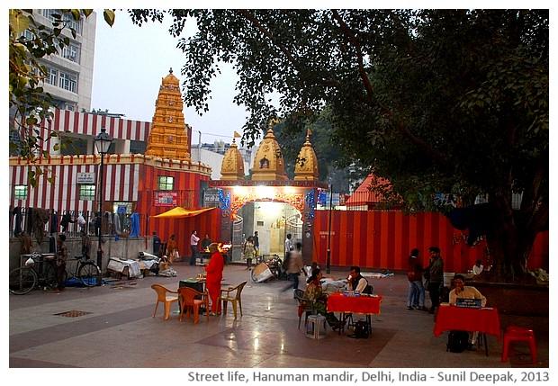 Street life Delhi, India - images by Sunil Deepak
