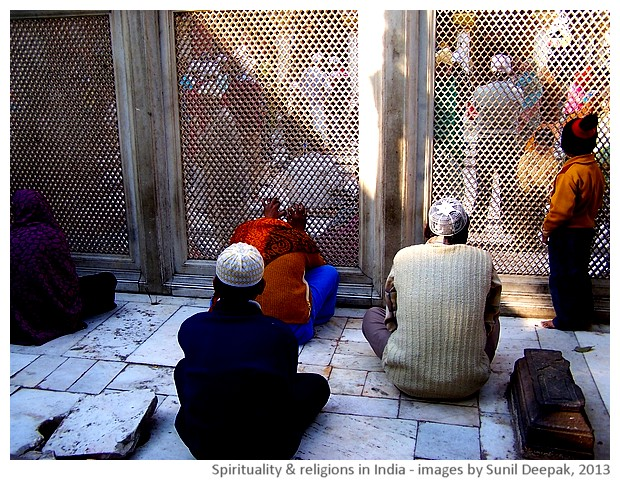 Religions and spirituality in India - images by Sunil Deepak, 2013