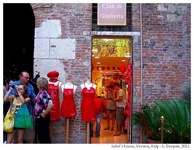 Juliet's house in Verona, Italy - S. Deepak, 2011