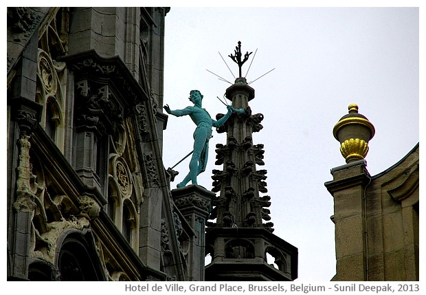 Brass statues, Hotel de Ville, Grand Place, Brussels, Belgium - images by Sunil Deepak, 2013