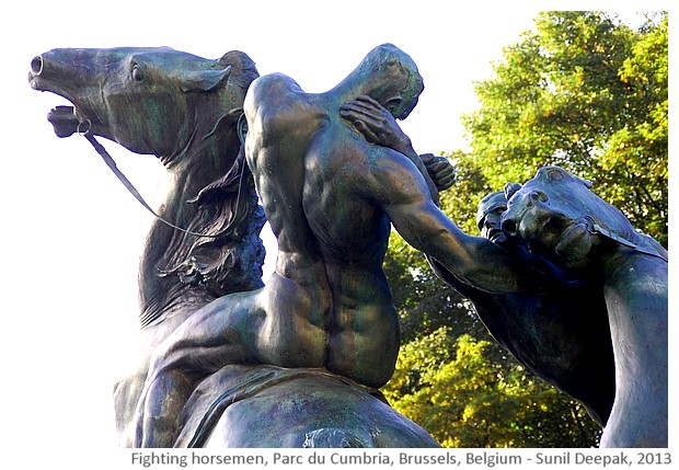 Fighting horsemen sculpture, Brussels, Belgium - images by Sunil Deepak, 2013