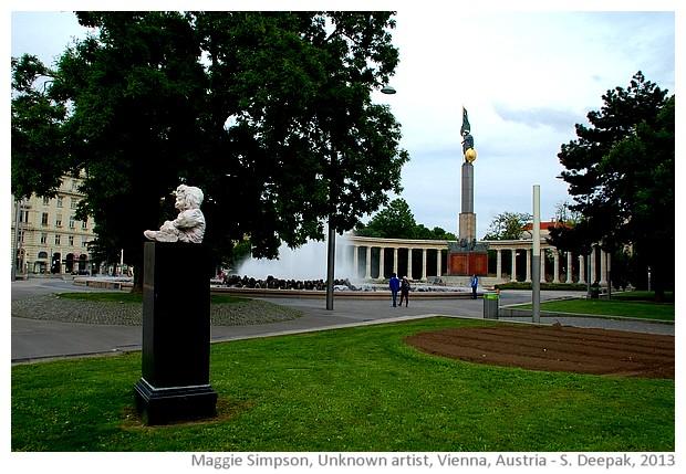 Maggie Simpson sculpture, Vienna, Austria - images by Sunil Deepak, 2013