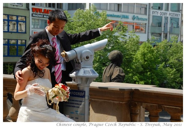 A chinese newly wed couple, Prague - Images by S. Deepak