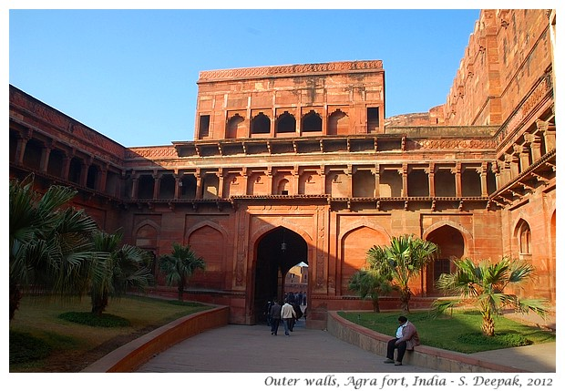 Outer walls, Agra fort, India - S. Deepak, 2012