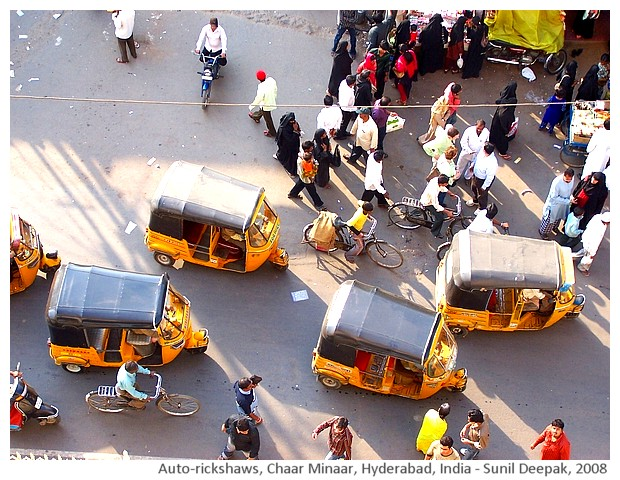 Auto rickshaws, Chaar Minaar, Hyderabad, India - images by Sunil Deepak, 2008