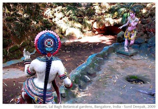 Statues, Lal Bagh botanical gardens, Bangalore, India - images by Sunil Deepak, 2009