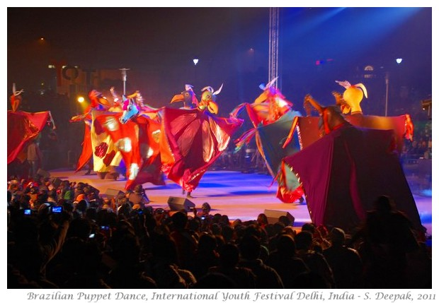 Brazilian Puppet dance, Delhi - S. Deepak, 2011
