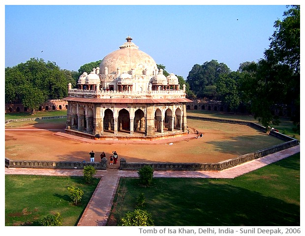 Tomb of Isa Khan, Delhi, India - images by Sunil Deepak, 2006