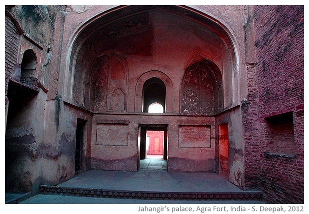 Morning light in Jahangir's palace, Agra, India - S. Deepak, 2012