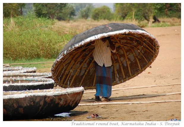 Traditional round boat from South India, images by S. Deepak