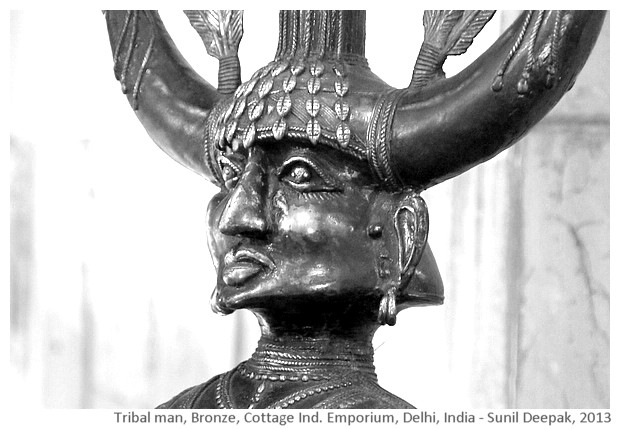 Tribal man, bronze sculpture, Delhi, India - images by Sunil Deepak, 2013