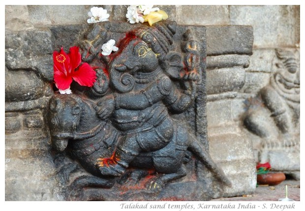 Vermilion and the details of statues, Talakad sand temples - images by S. Deepak