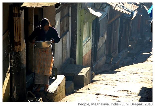 Women, Meghalaya, India - images by Sunil Deepak, 2010