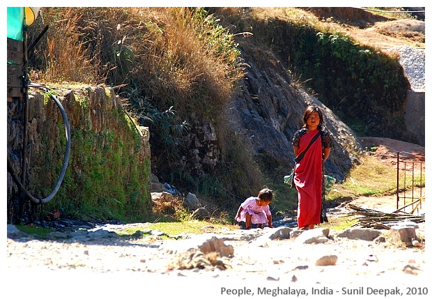 Women, Meghalaya, India - images by Sunil Deepak, 2010