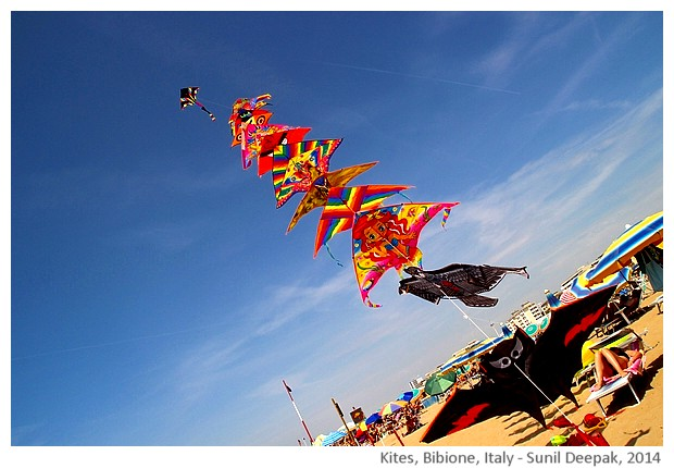 Colourful kites, Bibione, Italy - images by Sunil Deepak, 2014