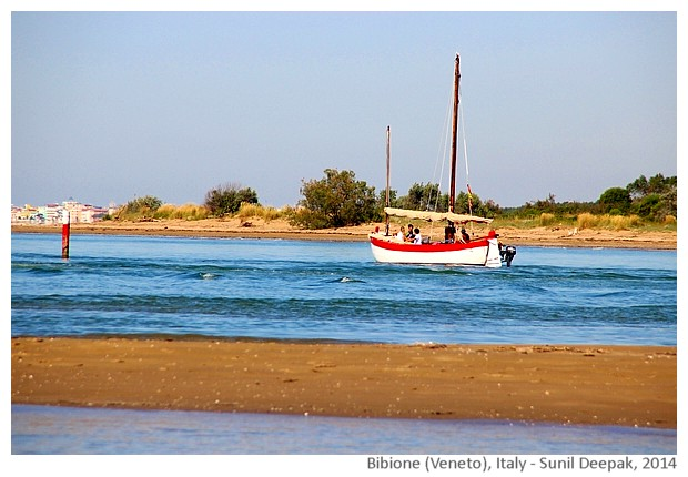 Red colour on the beach, Bibione, Italy - images by Sunil Deepak, 2014