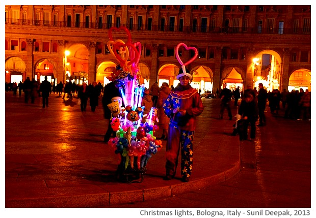 Christmas lights, Piazza Maggiore, Bologna, Italy - images by Sunil Deepak, 2013