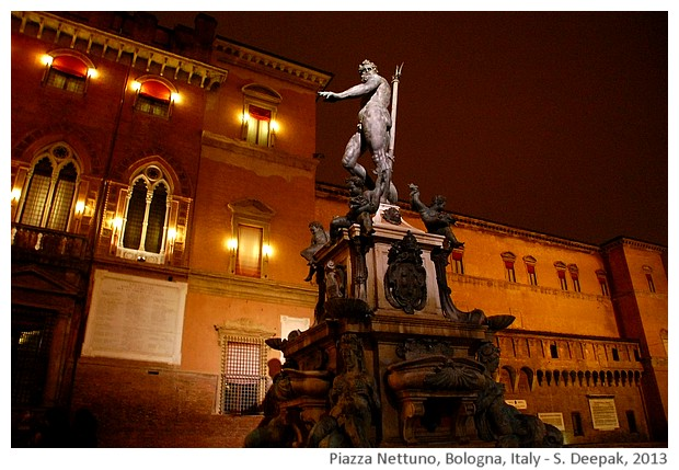 Night lights, Nettuno sqare, Bologna, Italy - S. Deepak, 2013