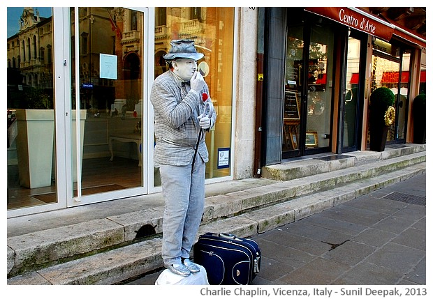 Human live statues - Charlie Chaplin, Vicenza, Italy - images by Sunil Deepak