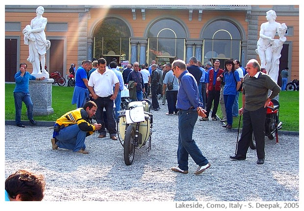Como lakeside and vintage motorbikes - images by Sunil Deepak, 2005