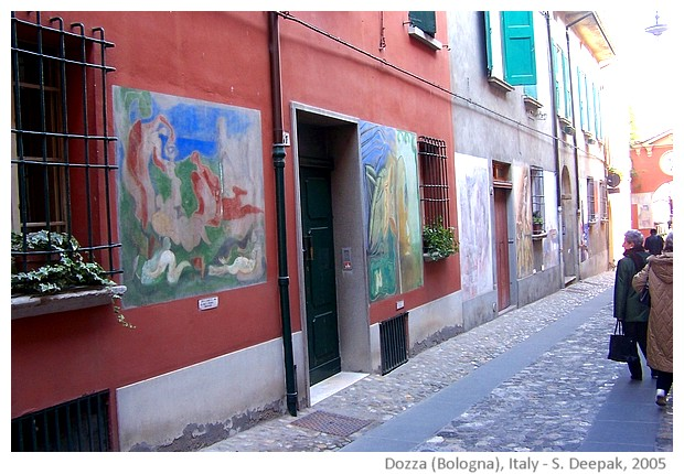 Dozza city of painted houses, Bologna, Italy - images by Sunil Deepak, 2005