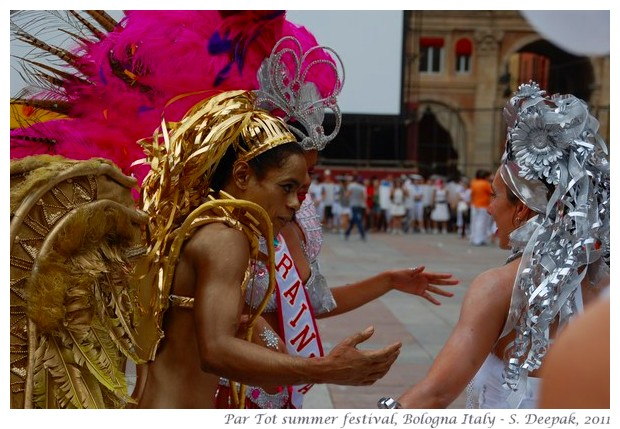 Brazilian dancer in gold, Partot parade 2011 - images by S. Deepak