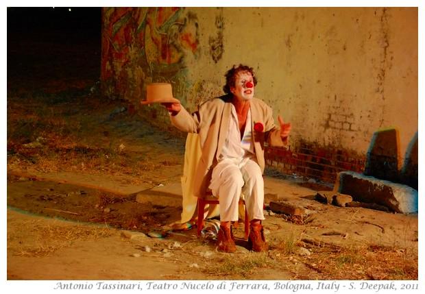 Antonio Tassinari, teatro Nucelo Ferrara, Reading sul fiume Bologna - S. Deepak, 2011