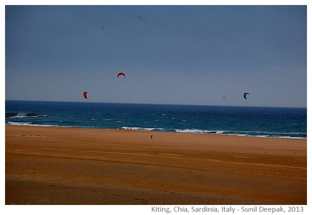 Kiting at Chia beach, Sardinia, Italy - images by Sunil Deepak, 2013