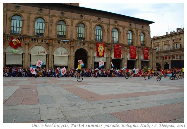 One wheel cycle dance, Bologna - S. Deepak, 2011