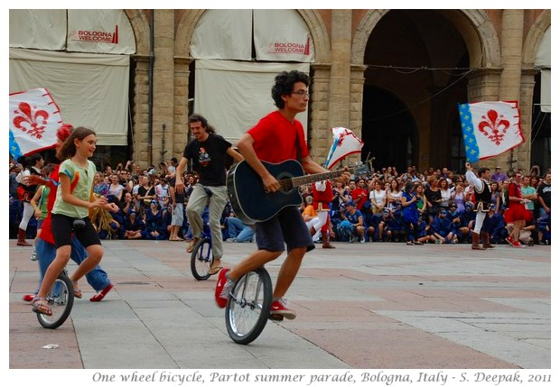 One wheel cycle dance, Bologna - S. Deepak, 2011