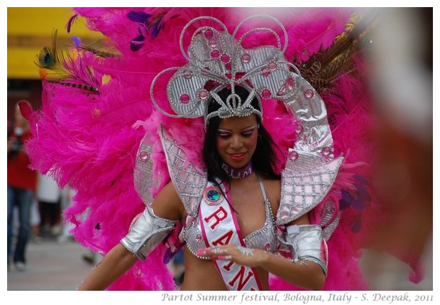Samba dancer at Partot parade, Bologna 2011 - images by S. Deepak